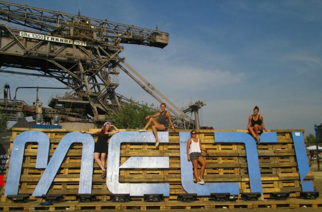 melt_holz_header_festival